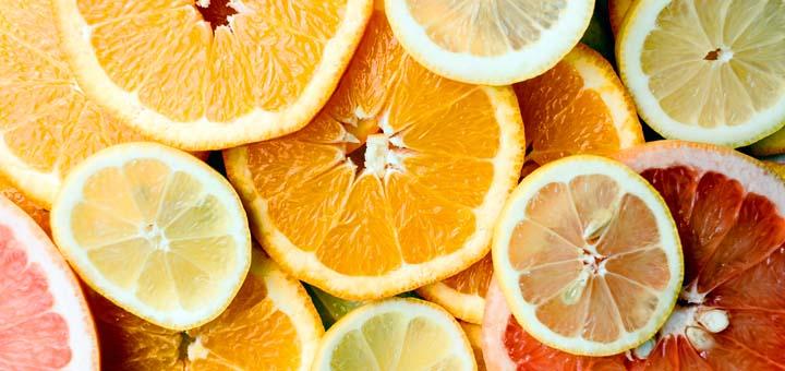 Frutas cítriccas são uma boa fonte de Vitamina C, sendo essencial para  a absorção de ferro.