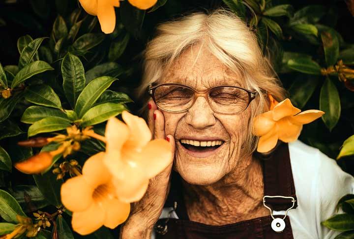 Mulher idoso com mente clara - Photo by Edu Carvalho from Pexels